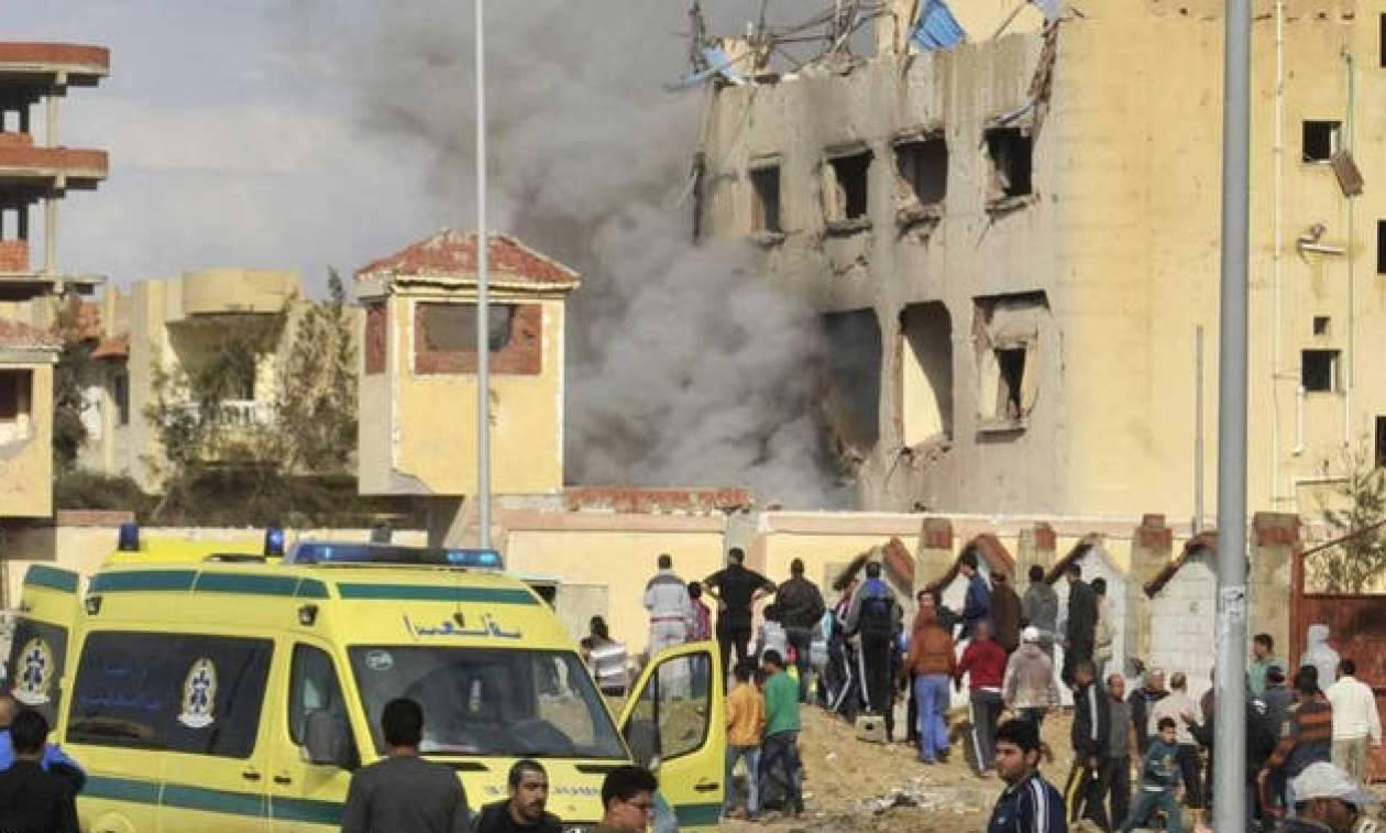 Egypt Sinai: Bomb and gun attack on mosque 'kills 54'