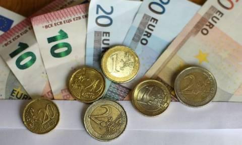 ΕΚΤ: Στις πρώτες θέσεις της Ευρωζώνης η Ελλάδα στη χρήση μετρητών για το 2016