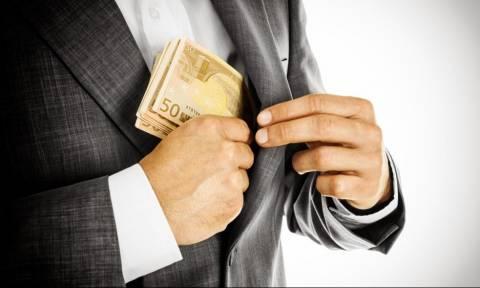 Πέλλα: Έταζε επιδοτήσεις στον αγρότη και του «έφαγε» 30.000 ευρώ!