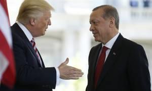 Φανερά εκνευρισμένοι οι Τούρκοι απαιτούν από τον Ντόναλντ Τραμπ να «τηρήσει τον λόγο του»
