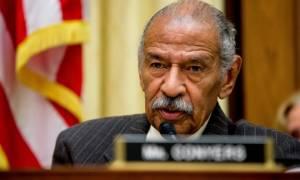 ΗΠΑ: Στέλεχος των Δημοκρατικών παραιτήθηκε έπειτα από κατηγορίες για σεξουαλική παρενόχληση