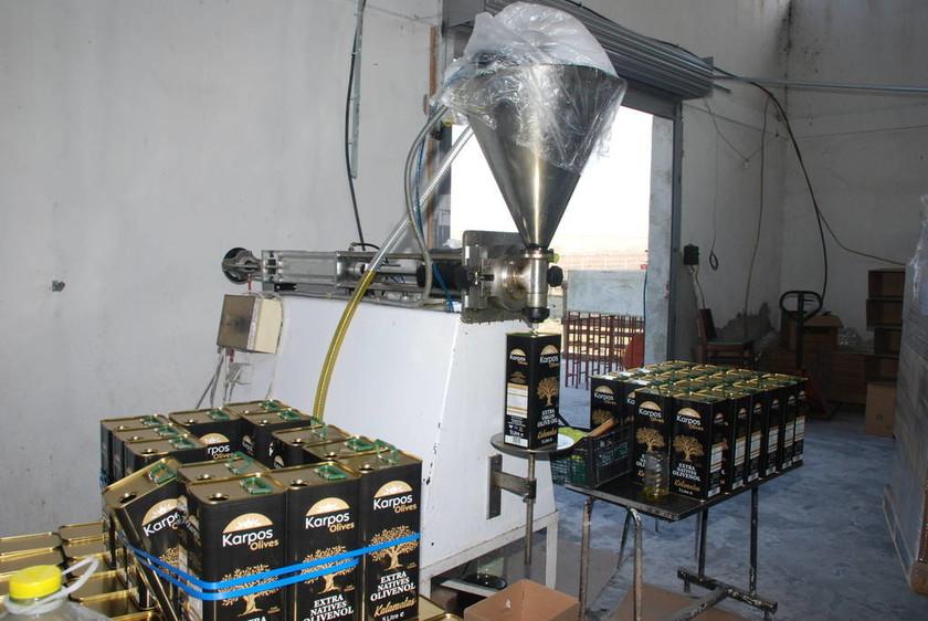 Εγκληματικό: Νόθευαν ηλιέλαιο με χρωστικές ουσίες και το πουλούσαν για ελαιόλαδο! (pics)