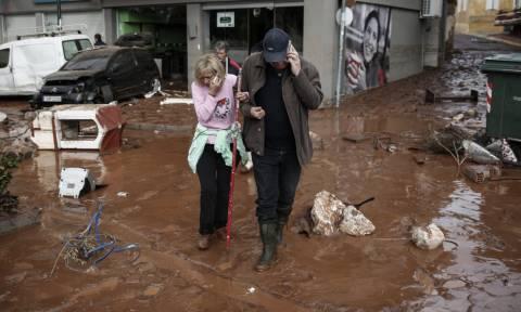 Πλημμύρες Μάνδρα: Τρέμουν τη βροχή οι κάτοικοι – Πόνος και απόγνωση στις λάσπες