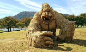 Γιγάντια αγάλματα ζώων... από στάχυα ρυζιού! (pics)