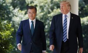 Τραμπ και Μουν βλέπουν μια απειλή για όλο τον κόσμο στα εξοπλιστικά προγράμματα της Β. Κορέας