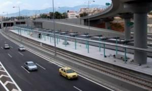 Σήμερα (29/11) η κηδεία του 17χρονου που έπεσε από τη γέφυρα στην Αττική Οδό