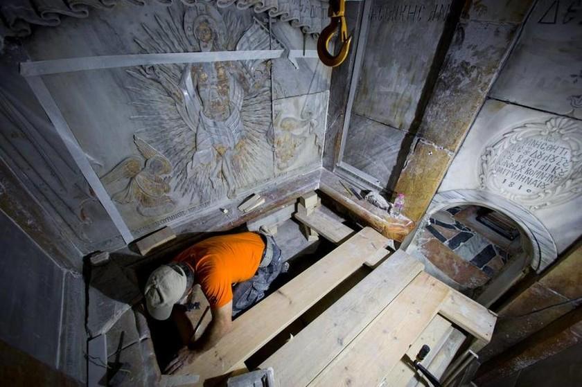 Δέος από τη σπουδαία ανακάλυψη στον τάφο του Χριστού (pics)