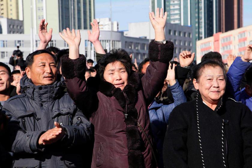 Κιμ Γιονγκ Ουν: «Διατάζω την πυραυλική δοκιμή» - Δείτε το χειρόγραφο του Κιμ (pics)
