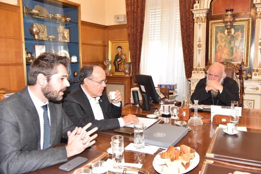 Συνάντηση του Αρχιεπισκόπου με τον βουλευτή Γιάννη Σαρακιώτη (pics)