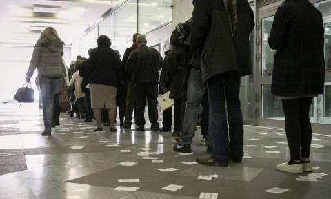 Καρέ - καρέ η «παρέμβαση» του «Ρουβίκωνα» στα κεντρικά γραφεία της ΔΕΗ