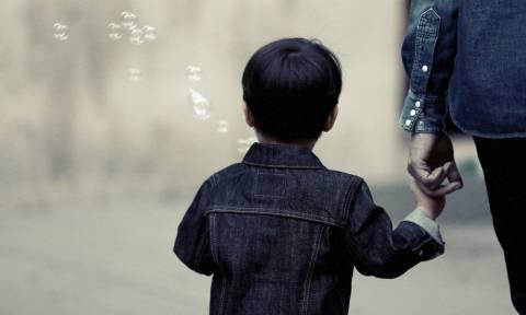 Κερατέα - Καταγγελία – σοκ: «Έτσι πήγαν να απαγάγουν το παιδί μου έξω από Δημοτικό Σχολείο»