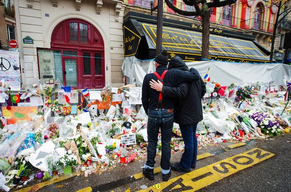 02 Bataclan Attack Memorial Paris 2015 billboard 1548