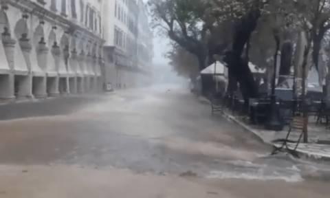 «Βούλιαξε» η δυτική Ελλάδα - Κέρκυρα, Παξοί και Ήπειρος στο επίκεντρο της καταστροφικής κακοκαιρίας