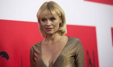 Pamela Anderson: Στα 50 της κάνει την πιο συγκινητική εξομολόγηση για τους γιους της