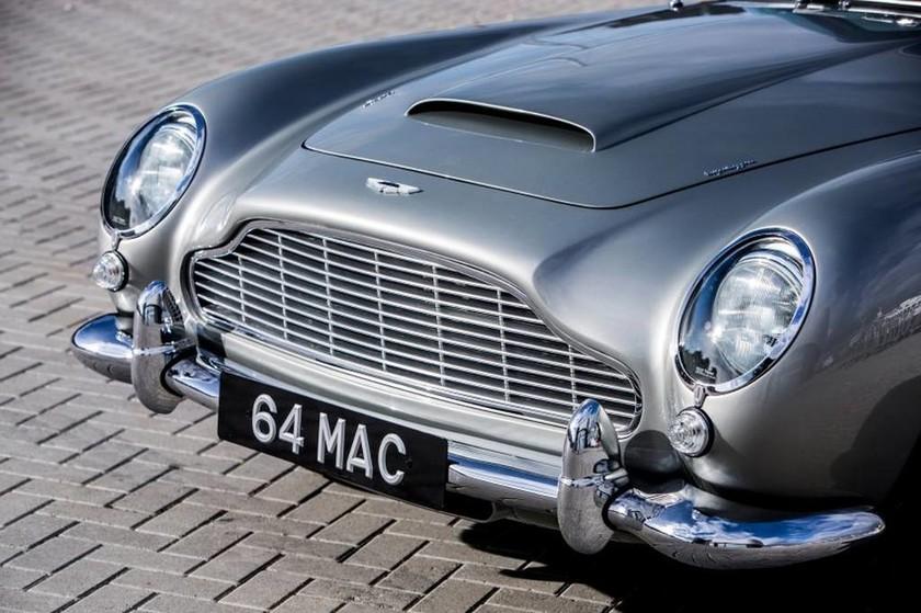 Πωλείται σε δημοπρασία η θρυλική Aston Martin του Τζέιμς Μποντ (Pics+Vid)