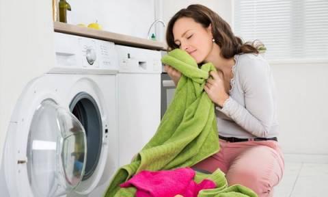 Οι 5 θαυματουργές χρήσεις της μαγειρικής σόδας, στην καθαριότητα των ρούχων
