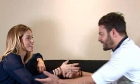 O Αγγελόπουλος ρωτάει την Ντορέττα αν τα έχει με τον Ντάνο και εκείνη απαντά…