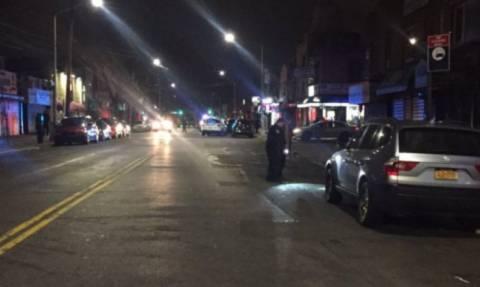 Συναγερμός στη Νέα Υόρκη: Αυτοκίνητο έπεσε πάνω σε πεζούς