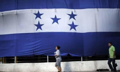 Ονδούρα: Αρχίζει η καταμέτρηση των ψήφων που απομένουν