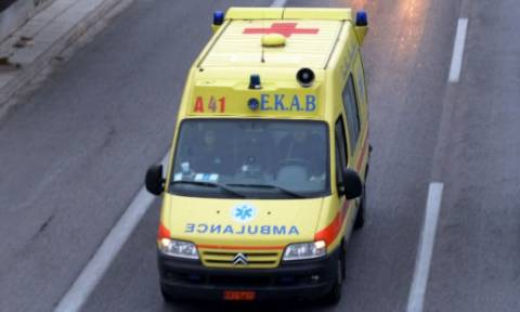 Σοβαρό τροχαίο στην Κρήτη: Αυτοκίνητο παρέσυρες δύο μαθήτριες