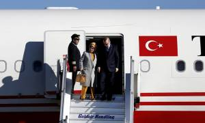 Επίσκεψη Ερντογάν: Έφτασε στην Αθήνα ο Τούρκος πρόεδρος - Οι πρώτες εικόνες (pics)