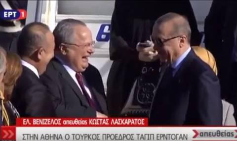 Επίσκεψη Ερντογάν: Η στιγμή της άφιξης του «σουλτάνου» - Ο διάλογος με τον Νίκο Κοτζιά