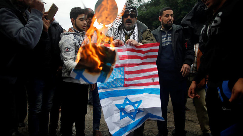 Στο χάος βυθίζεται η Παλαιστίνη για την Ιερουσαλήμ - Σφοδρές συγκρούσεις Παλαιστινίων με Ισραηλινούς