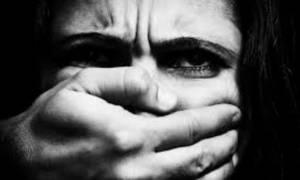 Φρίκη με 18χρονο νεαρό στην Κρήτη: «Με βίαζαν στο αυτοκίνητο και τραβούσαν βίντεο»