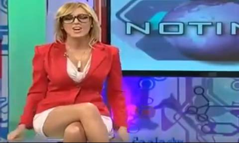 Καυτή τηλεπερσόνα προκαλεί... πανικό σε κάθε της εμφάνιση (video)