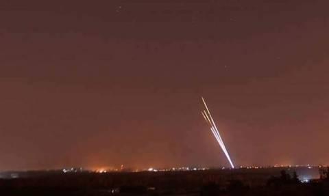 «Καζάνι που βράζει» η Μέση Ανατολή: Ισραηλινές αεροπορικές επιδρομές στη Γάζα (pics+vid)