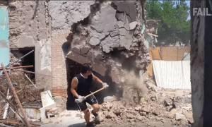 Viral: Αυτά είναι τα καλύτερα Fail βίντεο του 2017 (Πρόσεχε! Θα χτυπήσεις)