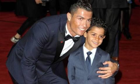 Η φωτογραφία του γιο του Cristiano Ronaldo, που έκανε 1 εκατομμύριο likes σε λίγα λεπτά