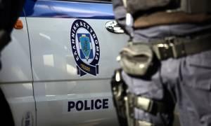 Θεσσαλονίκη: Καταδίωξη και σύλληψη διακινητή - Μετέφερε 15 μετανάστες