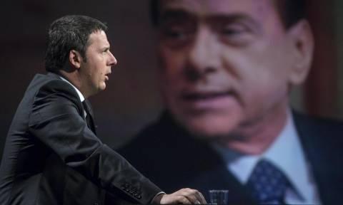 Ιταλία: «Ξεσπάθωσε» ο Ματέο Ρέντσι κατά του Σίλβιο Μπερλουσκόνι