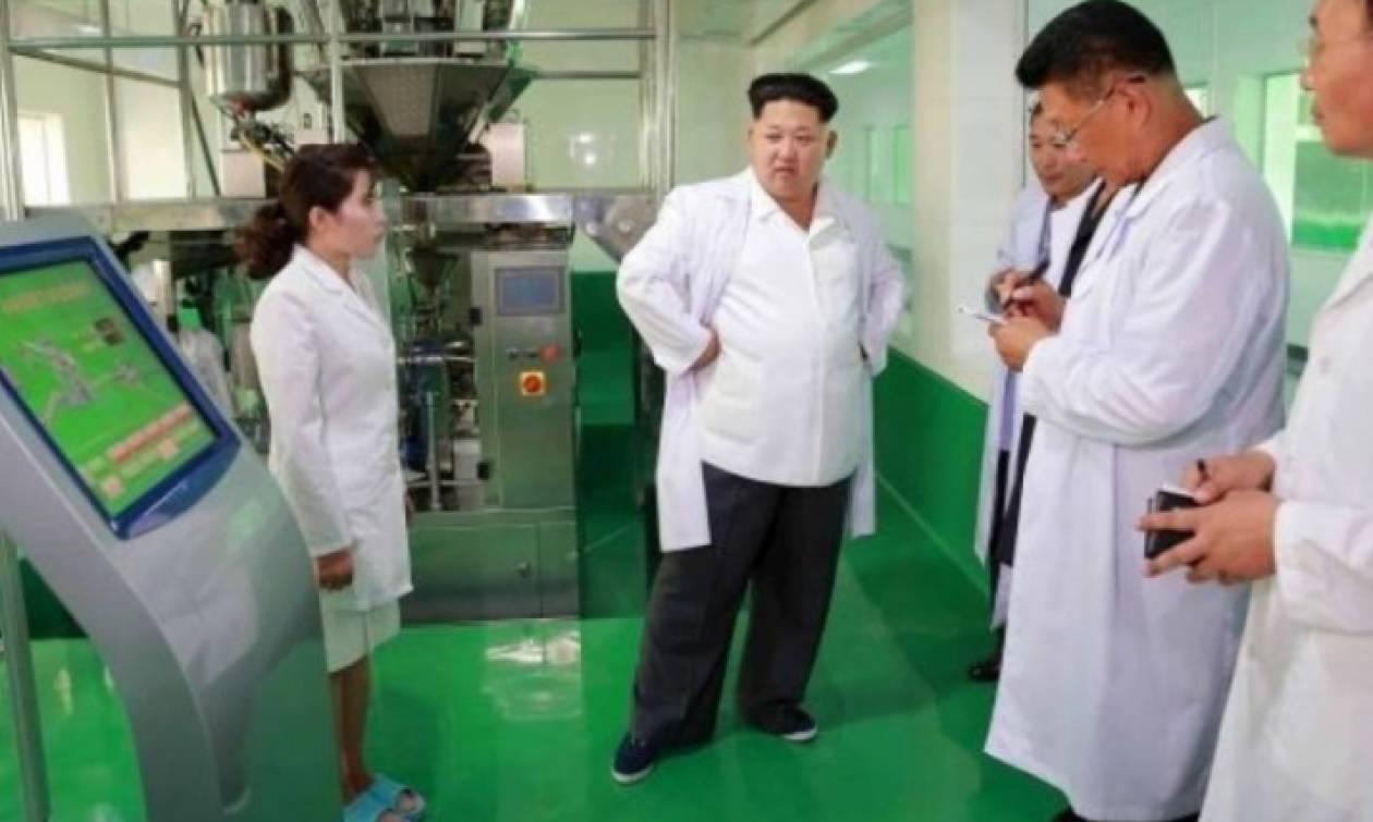 Παγκόσμια ανησυχία  Ο Κιμ Γιονγκ Ουν χτίζει εργοστάσια παραγωγής μικροβίων 9b6db1f865b