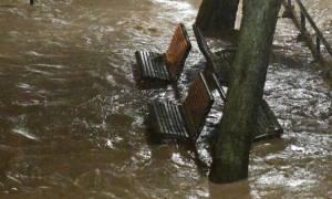Στο έλεος της κακοκαιρίας η Ιταλία – Υπερχείλισαν ποταμοί (vid)