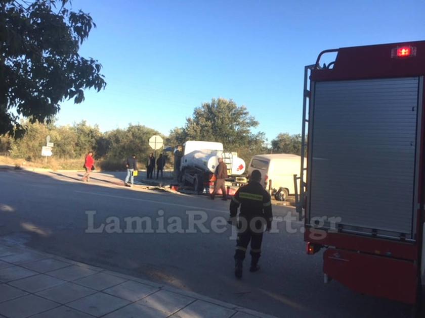 Σοβαρό τροχαίο στη Λαμία: Παραβίασε STOP και εμβόλισε βυτιοφόρο (pics)