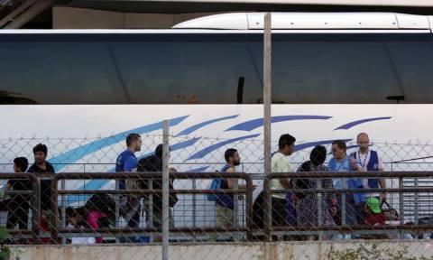 Μετά από ένταση 156 πρόσφυγες φιλοξενούνται σε ξενοδοχεία του ορεινού όγκου των Γρεβενών