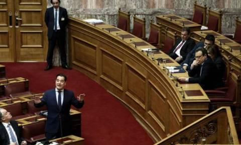 Βουλή: Κόντρα Άδωνι - Φάμελλου για τη Μαρέβα Μητσοτάκη