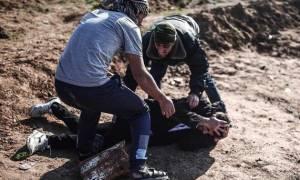 Μάτωσε η Γάζα: Αυξάνεται διαρκώς ο αριθμός των νεκρών Παλαιστίνιων διαδηλωτών (Pics+Vid)