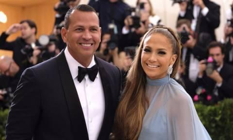 Τα πράγματα ανάμεσα σε Jennifer Lopez και Alex Rodriguez σοβάρεψαν και υπάρχουν αποδείξεις