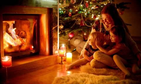 Χριστούγεννα στο σπίτι με τα παιδιά: Συμβουλές για χαρούμενες και ήρεμες Γιορτές