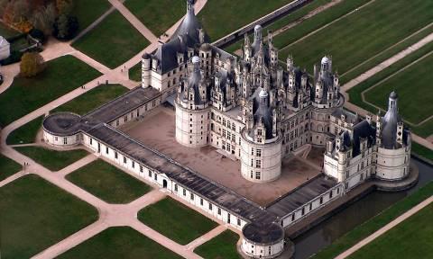 Τα «βασιλικά» γενέθλια του προέδρου Μακρόν που «εξαγρίωσαν» τους Γάλλους (Pics+Vid)