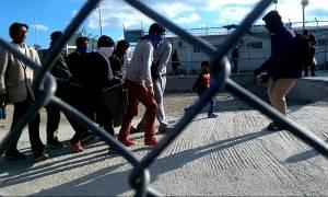 Μυτιλήνη: Στον ανακριτή ο 44χρονοος που συνελήφθη για συμμετοχή σε επεισόδια στη Μόρια