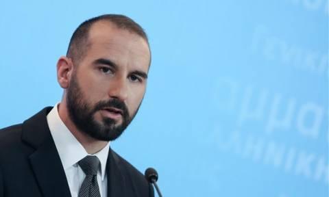 Τζανακόπουλος κατά Μητσοτάκη για το επίδομα σε νέους άνεργους