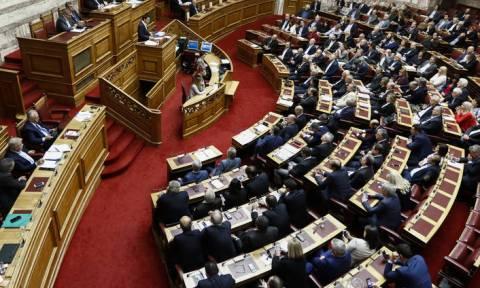 Διήμερο συγκρούσεων για την οικονομία στη Βουλή