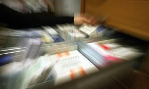 ΠΕΦ: Ζημιογόνα 6 στα 10 φάρμακα που παράγονται στην Ελλάδα λόγω rebate και clawback