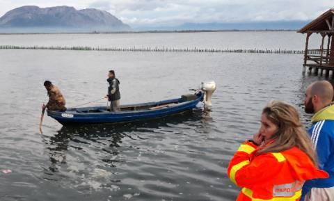 Τραγωδία στο Μεσολόγγι: Όχημα παρέσυρε ψαρά και έπεσε στη θάλασσα - Νεκρός ο οδηγός