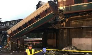 Εκτροχιασμός τρένου στην Ουάσινγκτον: Τουλάχιστον έξι νεκροί και δεκάδες τραυματίες (Pics+Vids)