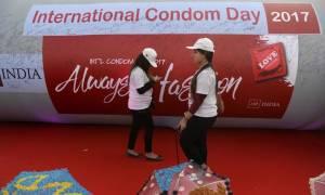 Ινδία: Απαγορεύονται την ημέρα οι διαφημίσεις προφυλακτικών